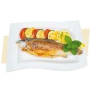 Lovenjakov dvor meni riba iz pečice s krompirjem in zelenjavo